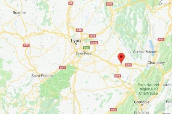 Man Arrested Running On Motorway To Catch Lyon Flight - Run planner google maps