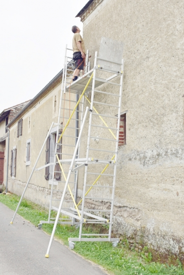 DIY in France: ladders and scaffolding