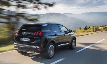 peugeot 3008 wins car of the year