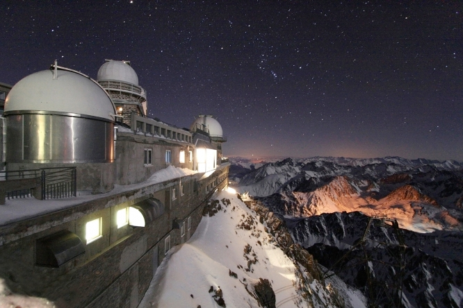 Pic du Midi observatory, stars qnd sky by night