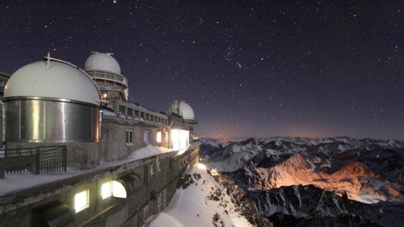 Pic du Midi observatory, stars qnd sky by night