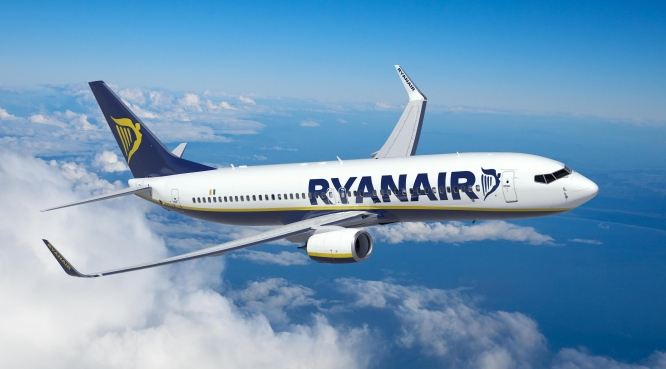 Ryanair profits soar but sees turbulence ahead