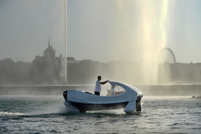 SeaBubble river taxi on lake at Geneva