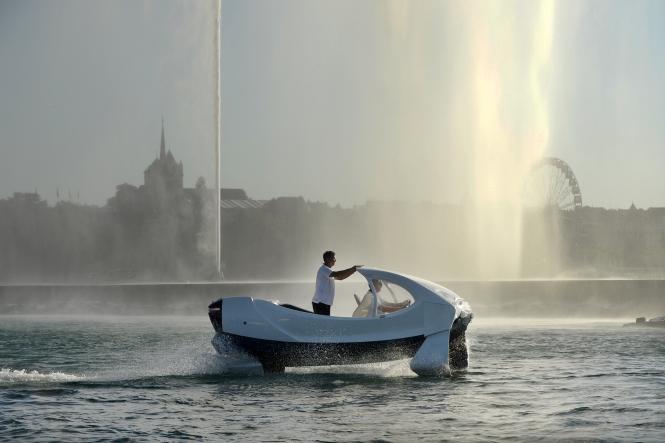 SeaBubble river taxi on lake at Geneva
