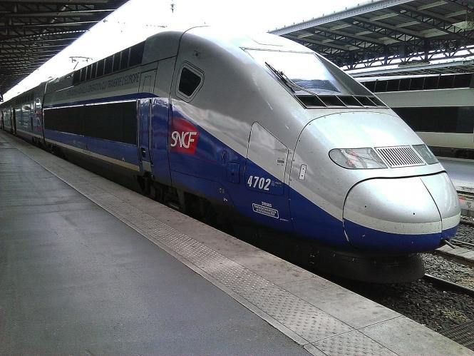 Trem de Paris a Tours