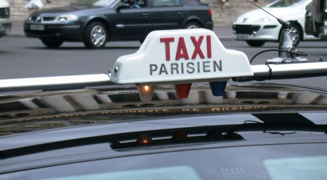 french airport roissy fights against illegal taxis