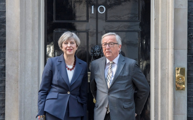 Theresa May and Jean-Claude Juncker at No10