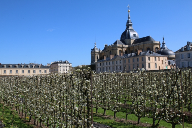 Chateau with gardens in front