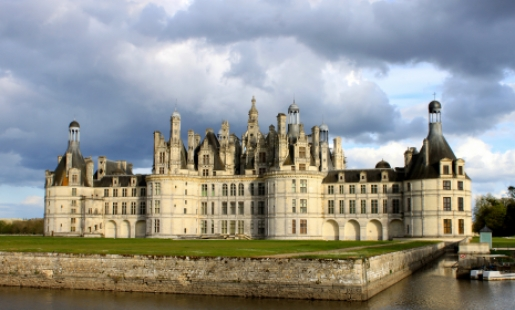View of Château de Chambord from across the moat