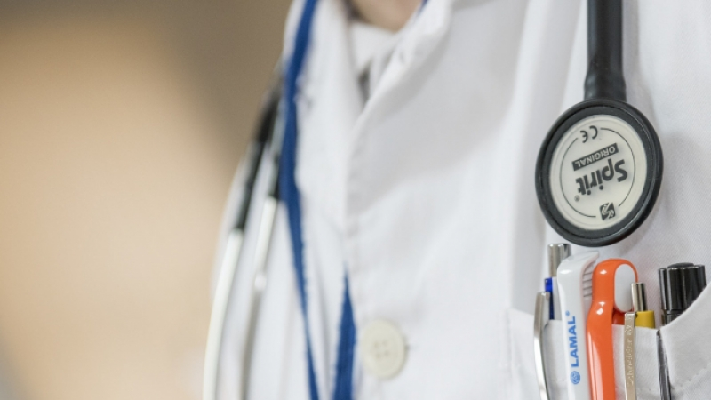 generic image of unidentifiable doctor with a stethoscope