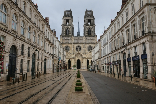 Rue Jeanne d'Arc and the Saint-Croix Cathedral